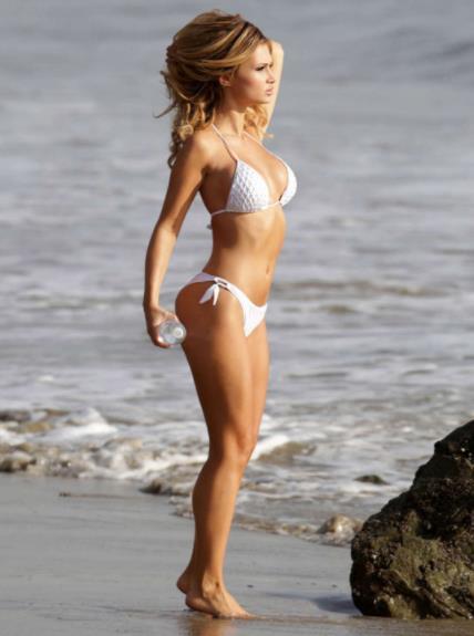模特艾拉伊布的狂热粉丝,手遮圆滚滚美乳